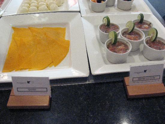 JW Marriott Hotel Quito: JW Marriott breakfast: queso and shrimp ceviche