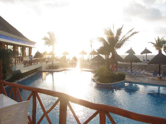 Luxury Bahia Principe Akumal Don Pablo Collection : piscine