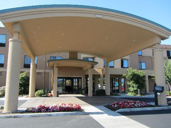 Courtyard Medford Airport : Entrance