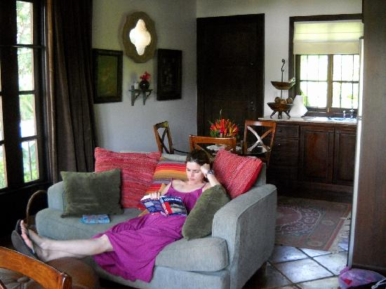 Villa Andalucia Bed and Breakfast: Meirav in the casa front