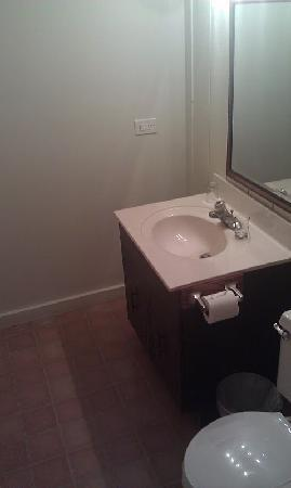 Duneland Beach Inn : Bathroom