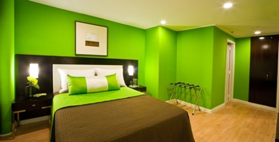 Astoria Plaza Green Room