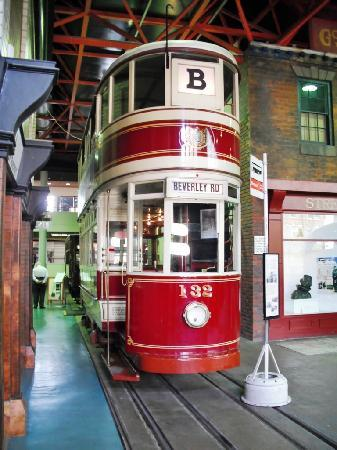Streetlife Museum of Transport : Hull Tram 132
