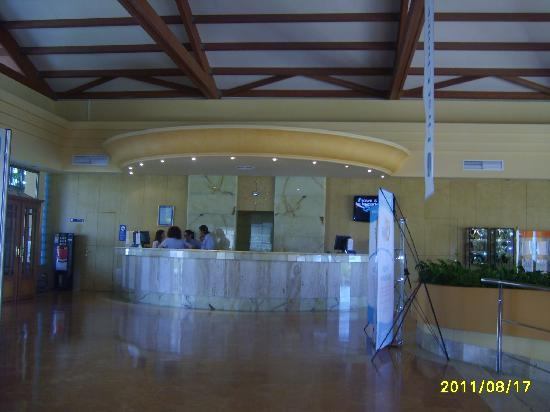 Zafiro Can Picafort: Reception desk
