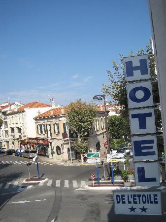 Hotel de l'Etoile: insegna e pressi dell'Htel De L'Etoile