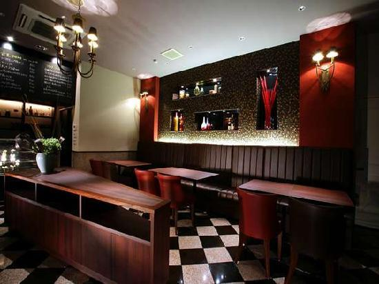 """Hotel Quest Shimizu: Italian restaurant""""Quomo""""(on 1st floor)"""