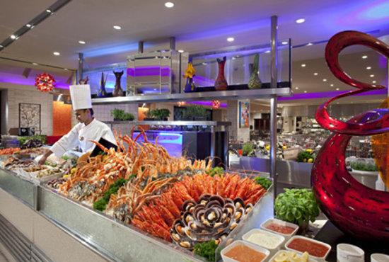 Carousel Buffet, Royal Plaza on Scotts: Lavish seafood spread at Carousel Restaurant, Royal Plaza on Scotts Singapore
