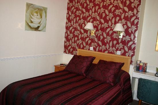 Five Rise Locks Hotel: Double room