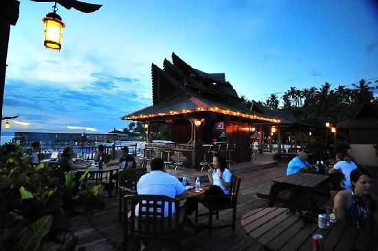 Sipadan Mabul Resort: サンセットバー