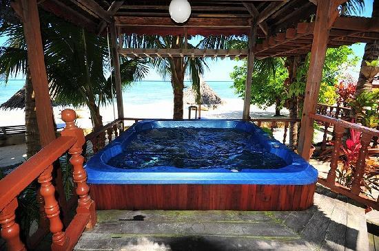Sipadan Mabul Resort: 温水ジャグジー