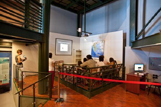The educational seismic table (earthquake simulator)