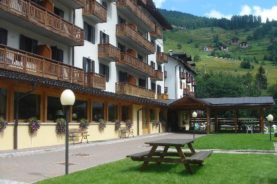 Peio, Italy: L'esterno dell'hotel !