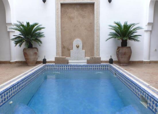 Riad Baba Ali: piscina