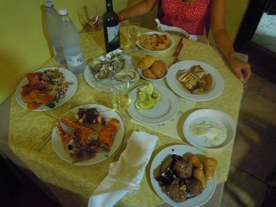 VOI Arenella Resort: cena ferragosto