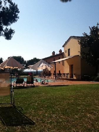 Certaldo, Italia: 1 van de 2 zwembaden