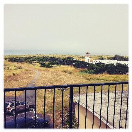 Inn of the Beachcomber: our view in the (misty) morning