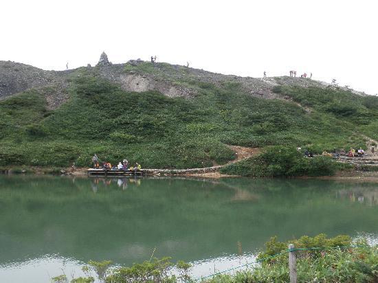 Happo Pond: 池の端からの風景