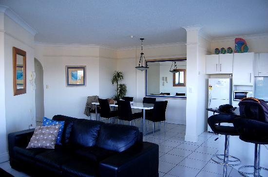 Surfers Hawaiian Apartments: living area + kitchen