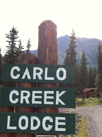 Carlo Creek Lodge: Entry