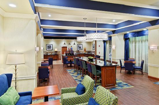 Hampton Inn & Suites Knoxville - Turkey Creek / Farragut: Breakfast Dining Area