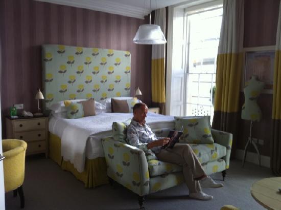 โรงแรมเฮย์มาร์เก็ต: large bedroom !