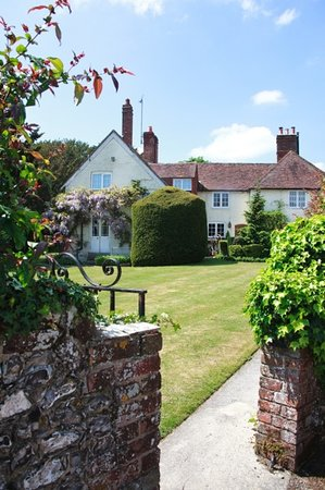 West Marden Farm Bed & Breakfast and Holiday Cottages: West Marden Farmhouse