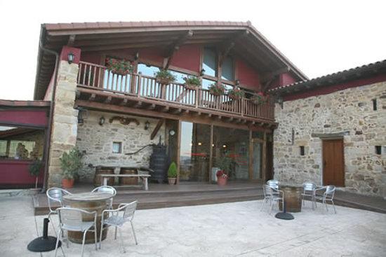 Larrabetzu, إسبانيا: entrada al restaurante