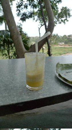 Mango Tree: Pineapple juice.. pulpy :)