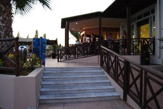 Kipriotis Maris: zona bar