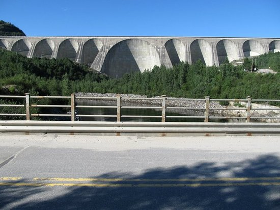 Daniel-Johnson Dam: Barrage