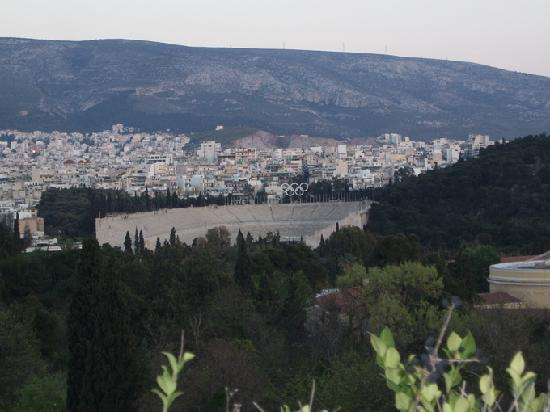 Amalia Hotel: Terraza, al SE, jardines y estadio Panathenaico