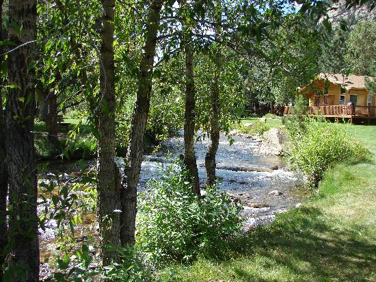 Riverview Pines: River on property