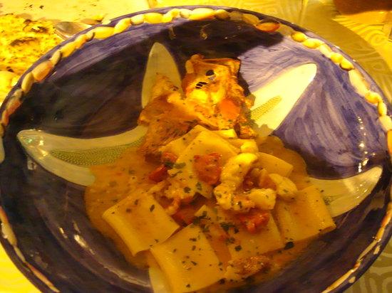 Lo Zodiaco: Fish with pasta