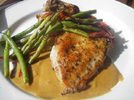 Lefty's Grill: Chicken Saltimbocca