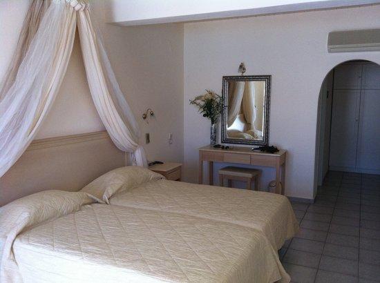 Thalassa Hotel : camera da letto