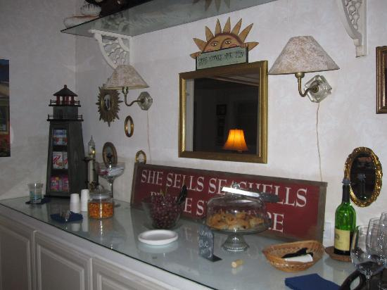 At Melissa's B & B: Breakfast buffet bar with Seashells sign