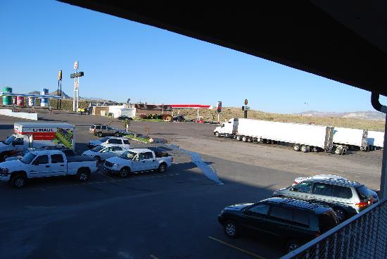 Super 8 Salina/Scenic Hills Area : Il parcheggio