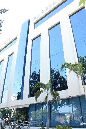 Hotel El Espanol Paseo de Montejo : façade de l'hôtel