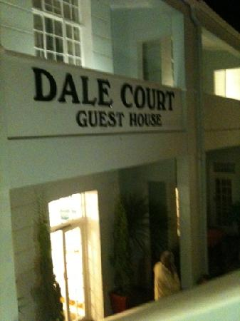Dale Court Guesthouse: entrance