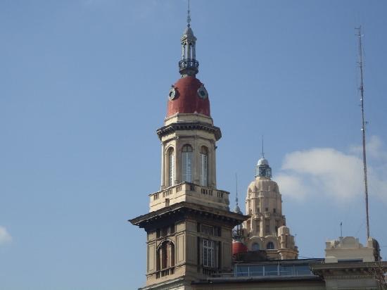 Edificio La Inmobiliaria: La Inmobiliaria,cúpula (detrás edificio Barolo).