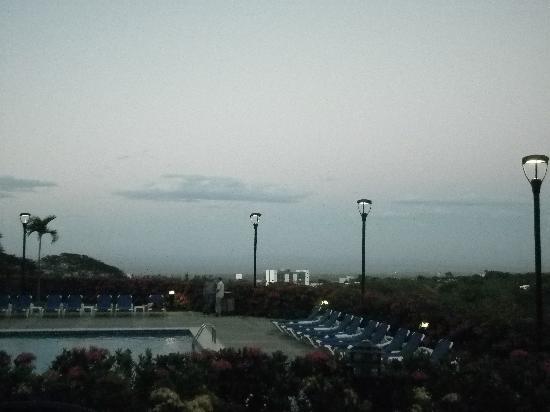 Barcelo Managua: Terraza y piscina