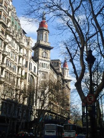 Edificio La Inmobiliaria: La Inmobiliaria,entrada sobre Avda de Mayo