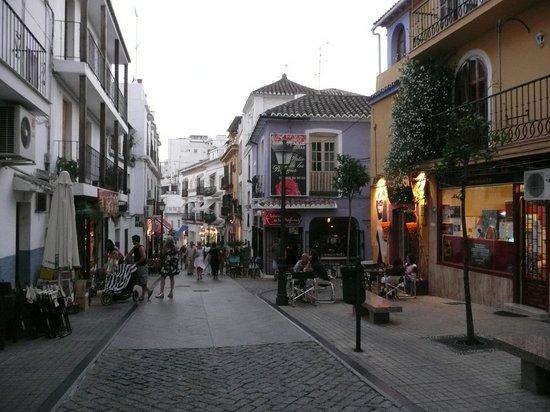 Marbella, Spain: patio de los perfumes, recomiendo pasar por ahì...