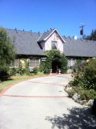 Solvang Gardens: front garden