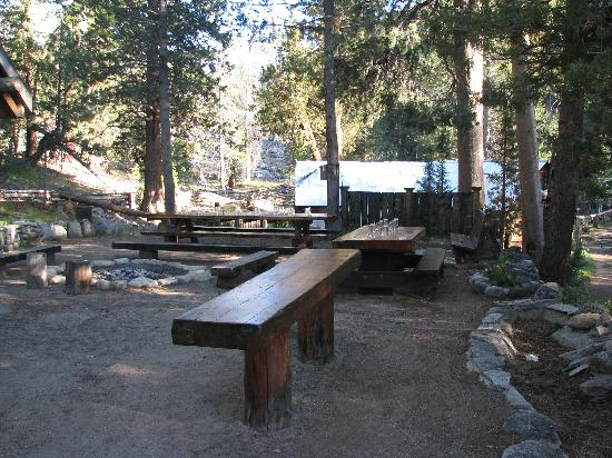 Muir Trail Ranch: Outdoor dining area