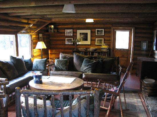 Muir Trail Ranch: The Lounge