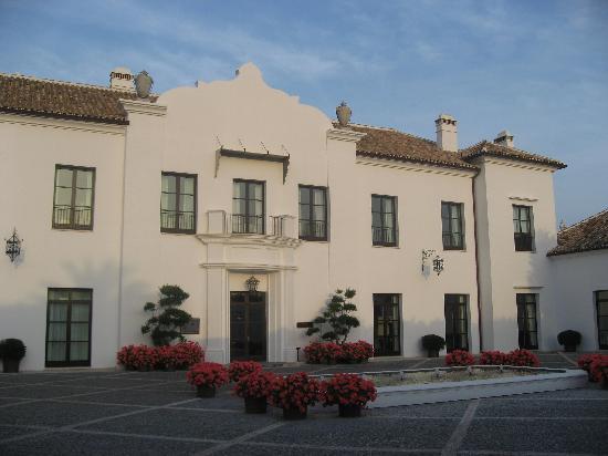 Finca Cortesin Hotel Golf & Spa: Fachada de entrada al hotel, he dejado muchas fotos por poner para seleccionar os encantara ante