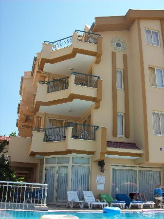 Sebnem Apart Hotel: The hotel