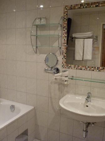Landhotel Postgut: sehr sauberes badezimmer