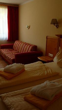 Landhotel Postgut: schönes zimmer mit sofa
